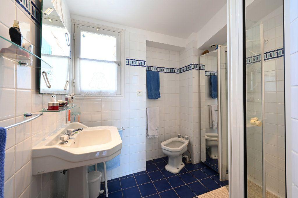 Maison à vendre 7 162.5m2 à Saint-Martin-de-Ré vignette-8
