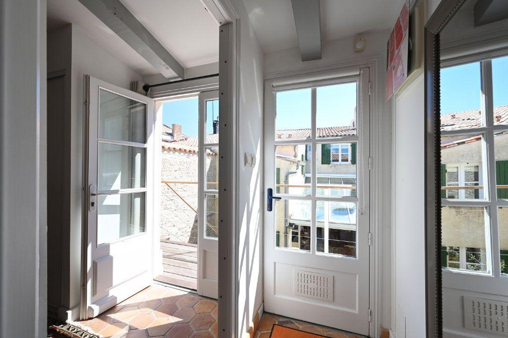 Maison à vendre 7 162.5m2 à Saint-Martin-de-Ré vignette-9