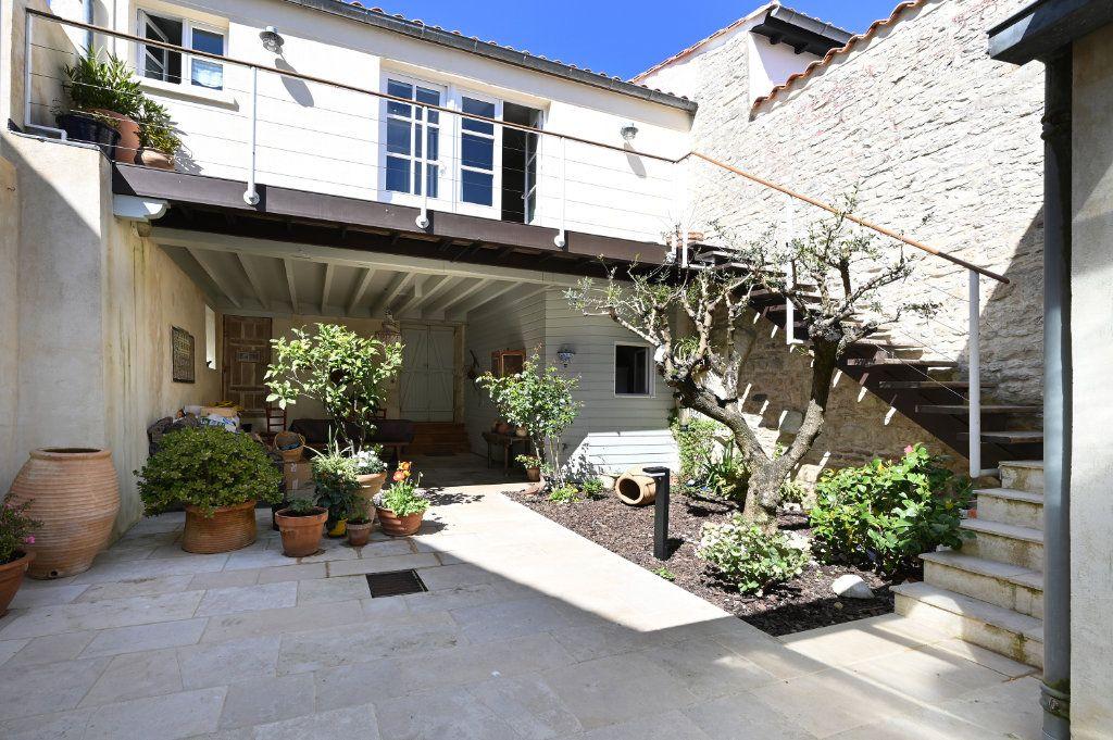Maison à vendre 7 162.5m2 à Saint-Martin-de-Ré vignette-13