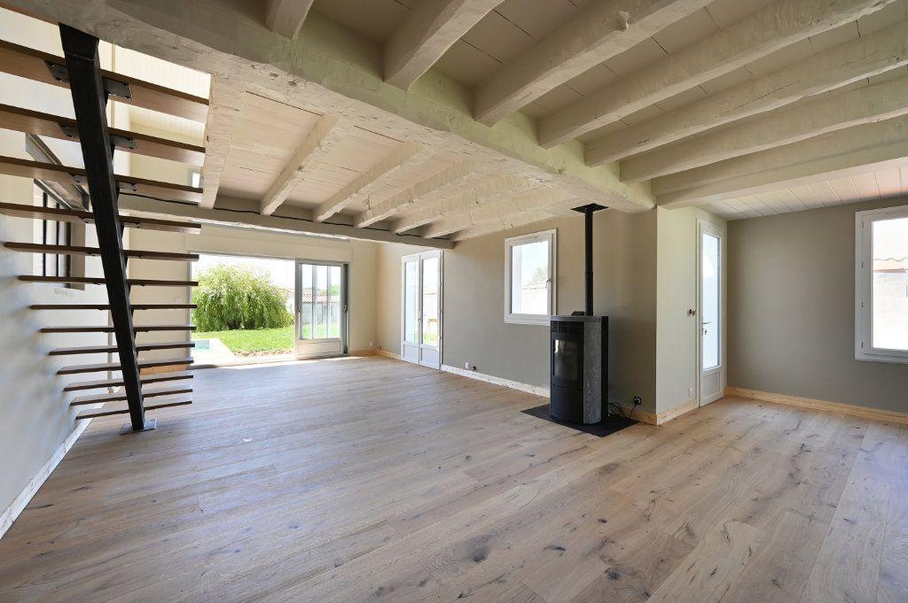 Maison à vendre 6 230m2 à Sainte-Marie-de-Ré vignette-2