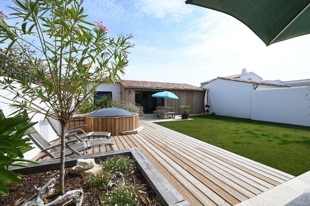 Maison à vendre 6 146m2 à Saint-Clément-des-Baleines vignette-2