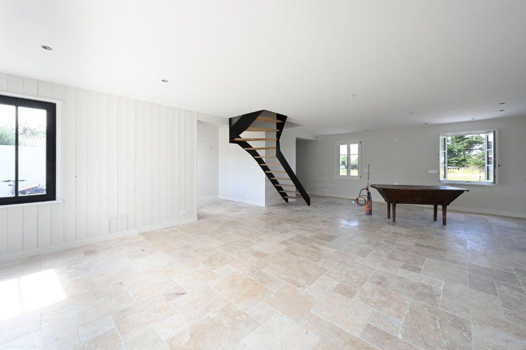 Maison à vendre 6 146m2 à Saint-Clément-des-Baleines vignette-4