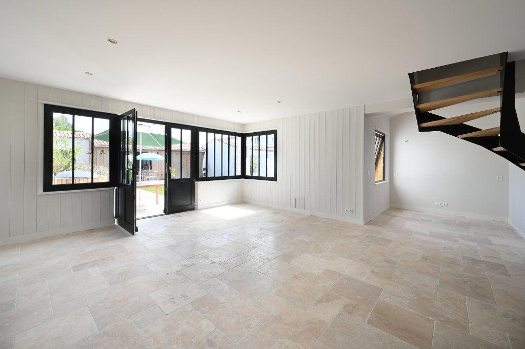 Maison à vendre 6 146m2 à Saint-Clément-des-Baleines vignette-5