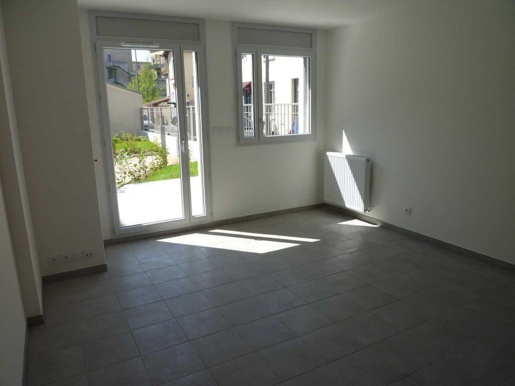 Appartement à louer 2 44.47m2 à Lyon 3 vignette-2