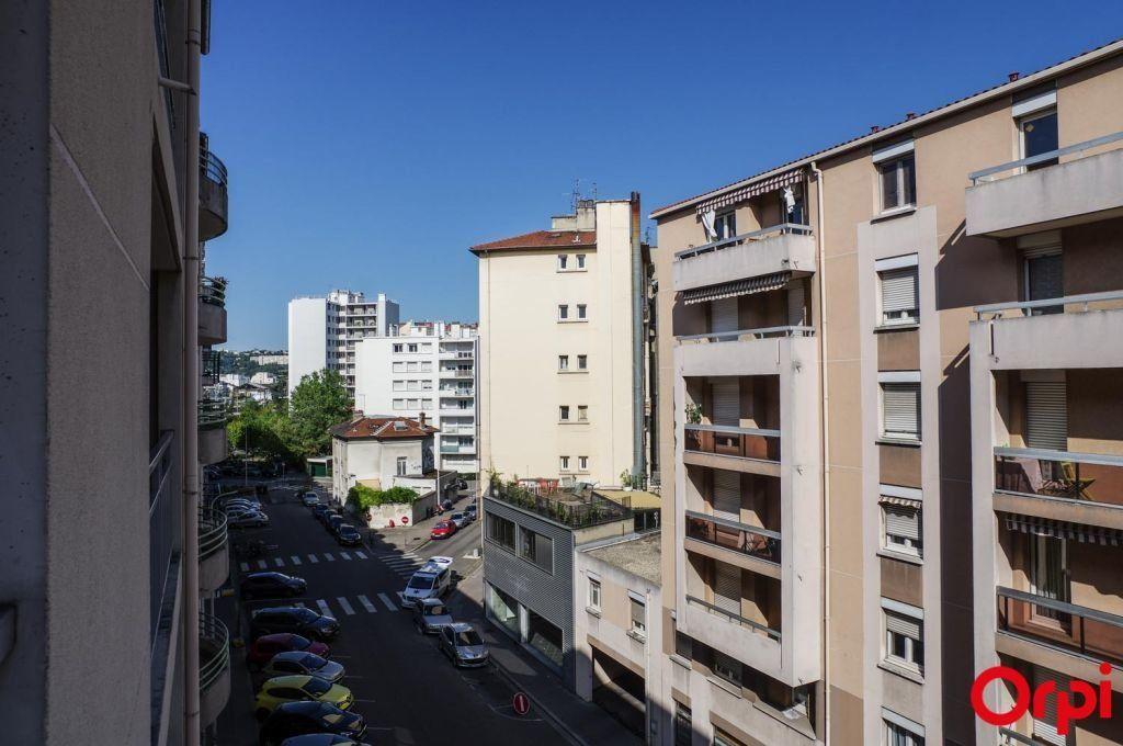 Appartement à louer 2 37.04m2 à Lyon 7 vignette-10