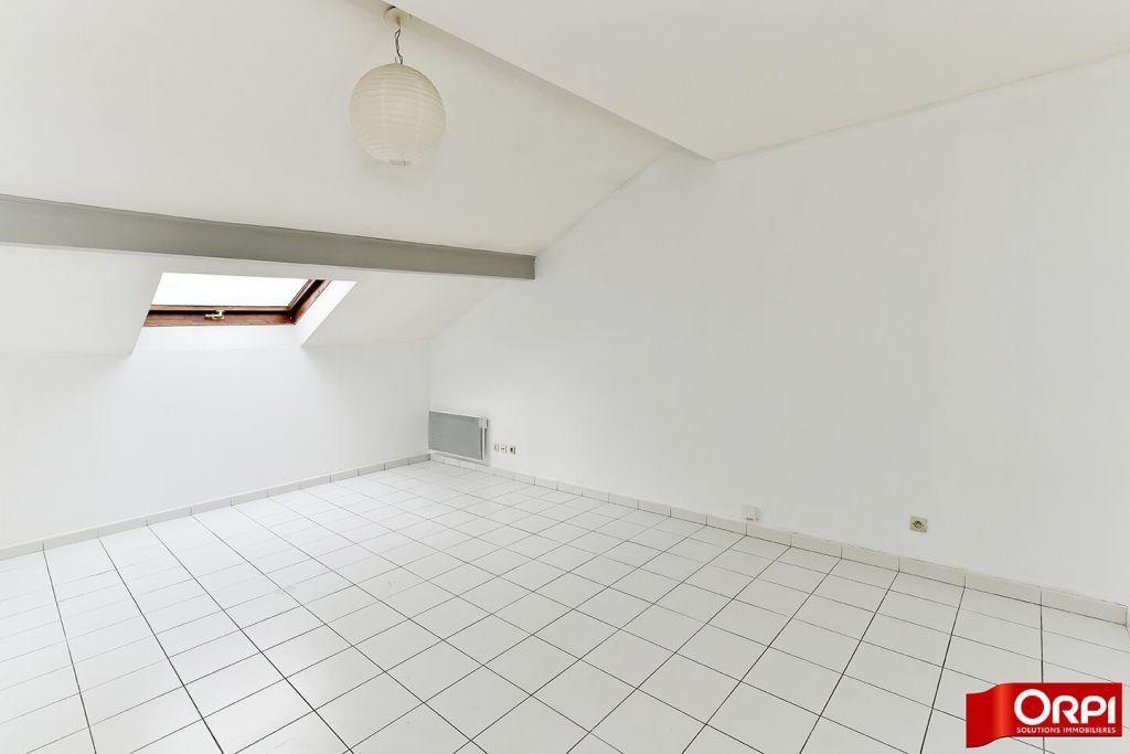 Appartement à louer 1 24.86m2 à Lyon 8 vignette-4