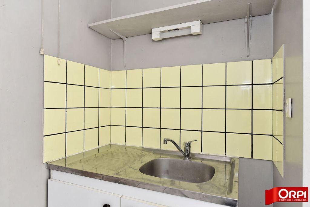 Appartement à louer 1 24.86m2 à Lyon 8 vignette-6