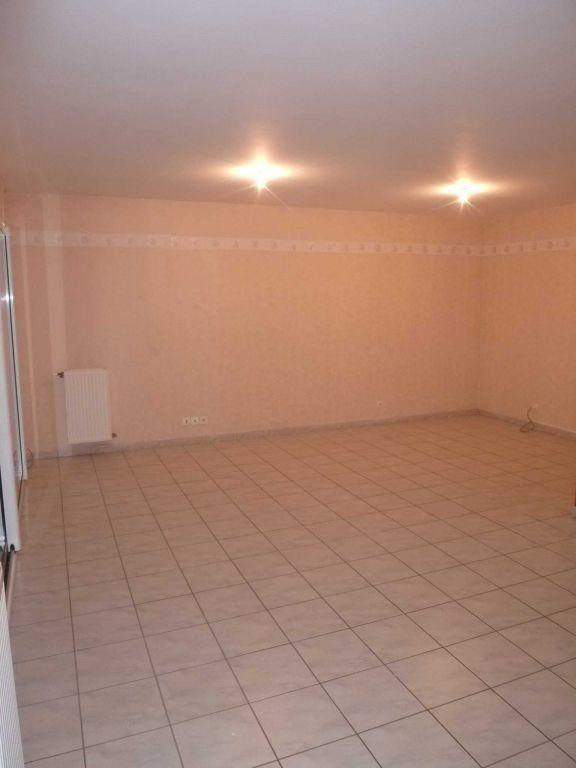 Appartement à louer 4 82.14m2 à Saint-Bonnet-de-Mure vignette-2