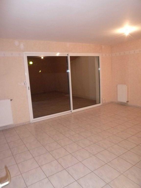 Appartement à louer 4 82.14m2 à Saint-Bonnet-de-Mure vignette-3