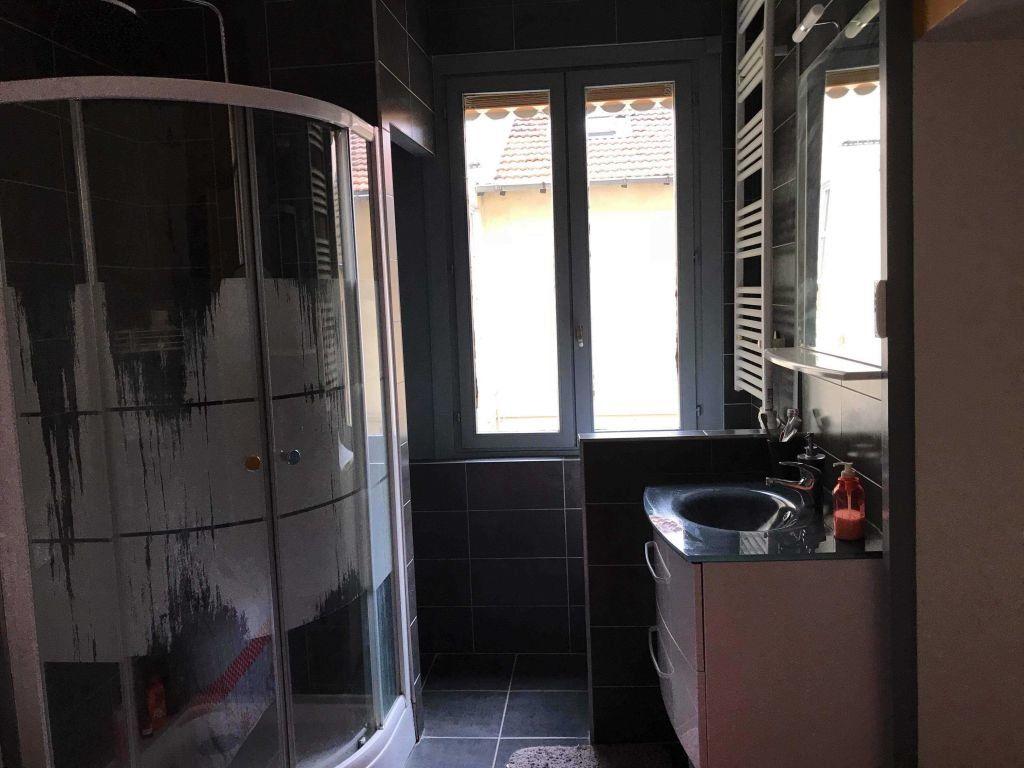 Appartement à louer 1 23.04m2 à Lyon 4 vignette-7