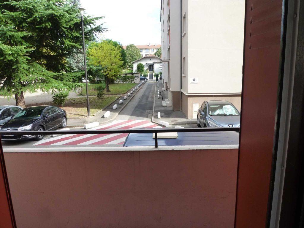 Appartement à louer 3 56.72m2 à Villeurbanne vignette-7