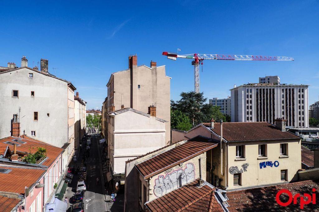 Appartement à louer 1 27.36m2 à Lyon 4 vignette-7