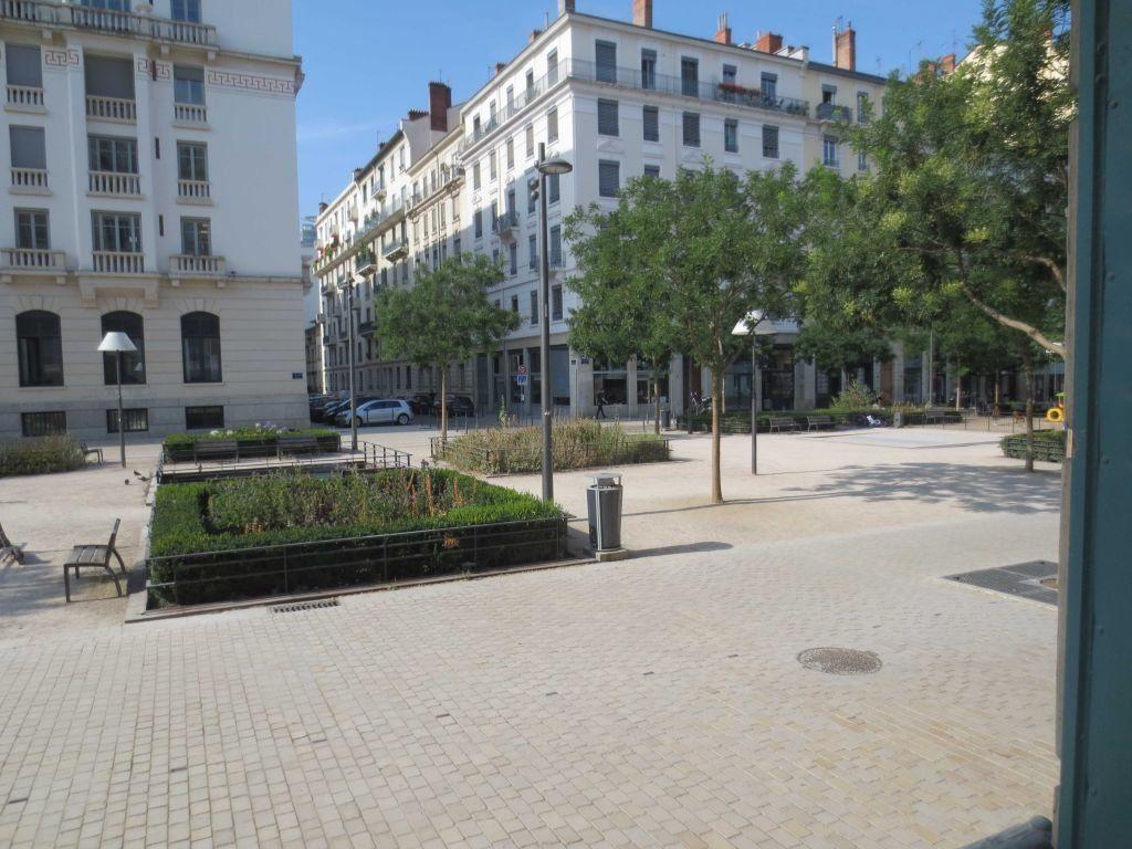 Appartement à louer 1 16.44m2 à Lyon 6 vignette-5