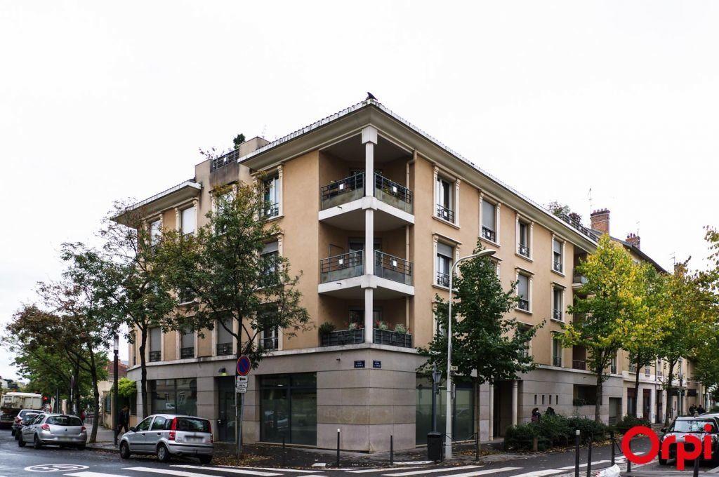 Appartement à louer 1 27.8m2 à Lyon 3 vignette-10