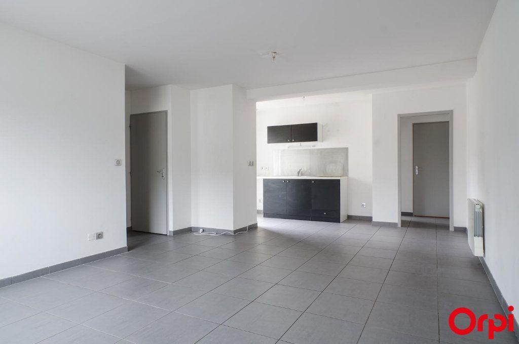 Appartement à louer 3 62m2 à Meyzieu vignette-1