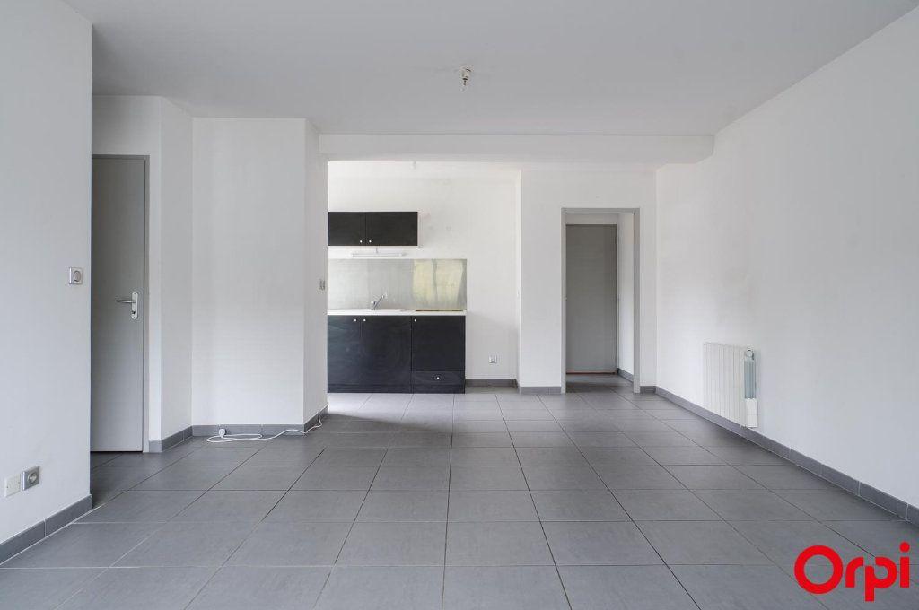 Appartement à louer 3 62m2 à Meyzieu vignette-2