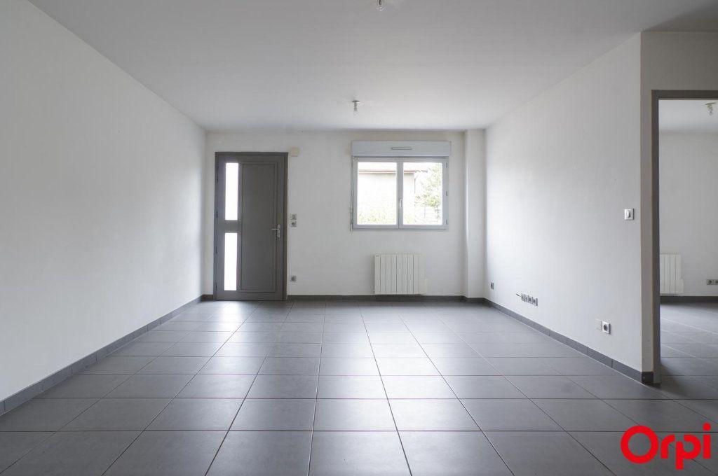 Appartement à louer 3 62m2 à Meyzieu vignette-3