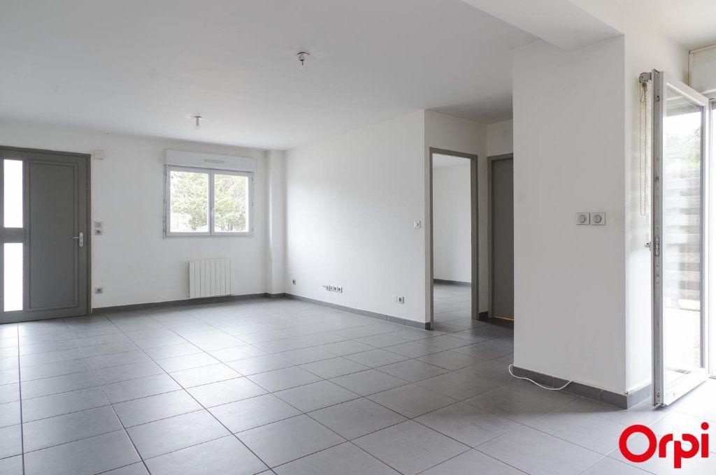 Appartement à louer 3 62m2 à Meyzieu vignette-4