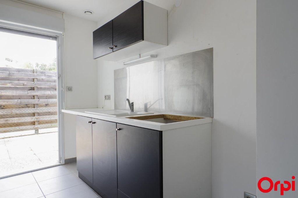 Appartement à louer 3 62m2 à Meyzieu vignette-5