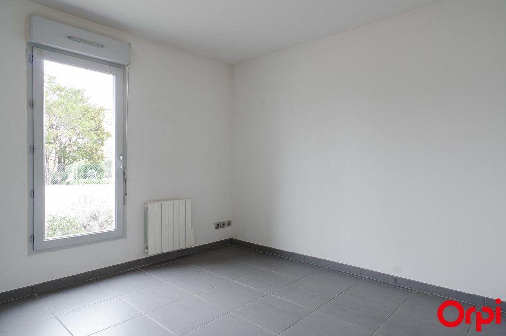 Appartement à louer 3 62m2 à Meyzieu vignette-6