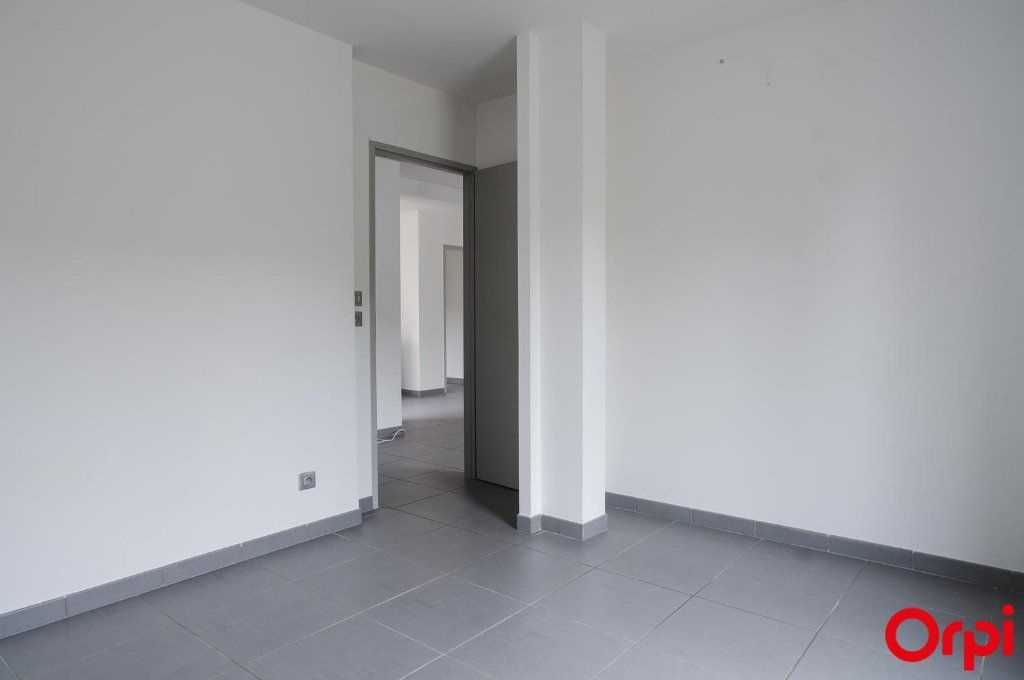 Appartement à louer 3 62m2 à Meyzieu vignette-7