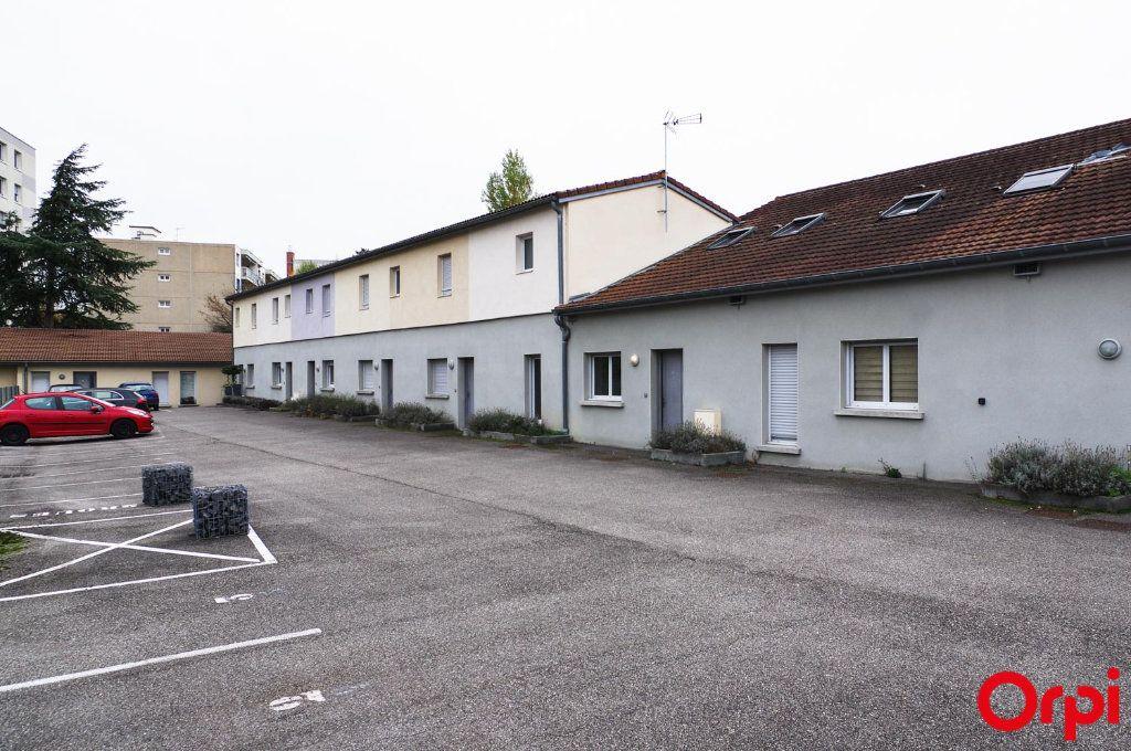 Appartement à louer 3 62m2 à Meyzieu vignette-14