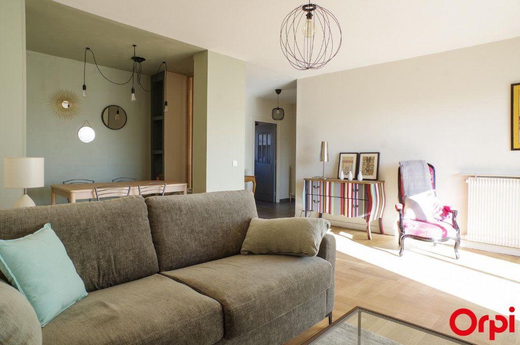 Appartement à louer 3 75.09m2 à Lyon 3 vignette-5