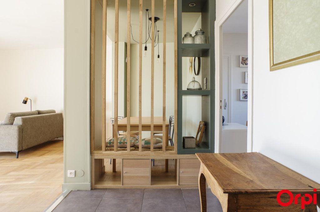 Appartement à louer 3 75.09m2 à Lyon 3 vignette-11