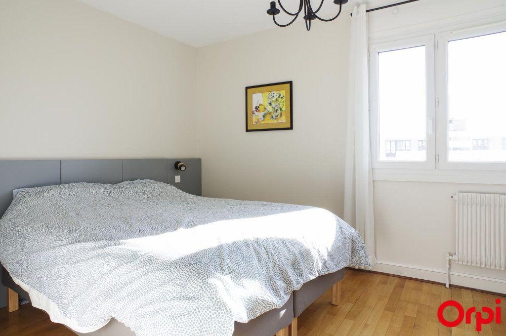 Appartement à louer 3 75.09m2 à Lyon 3 vignette-13