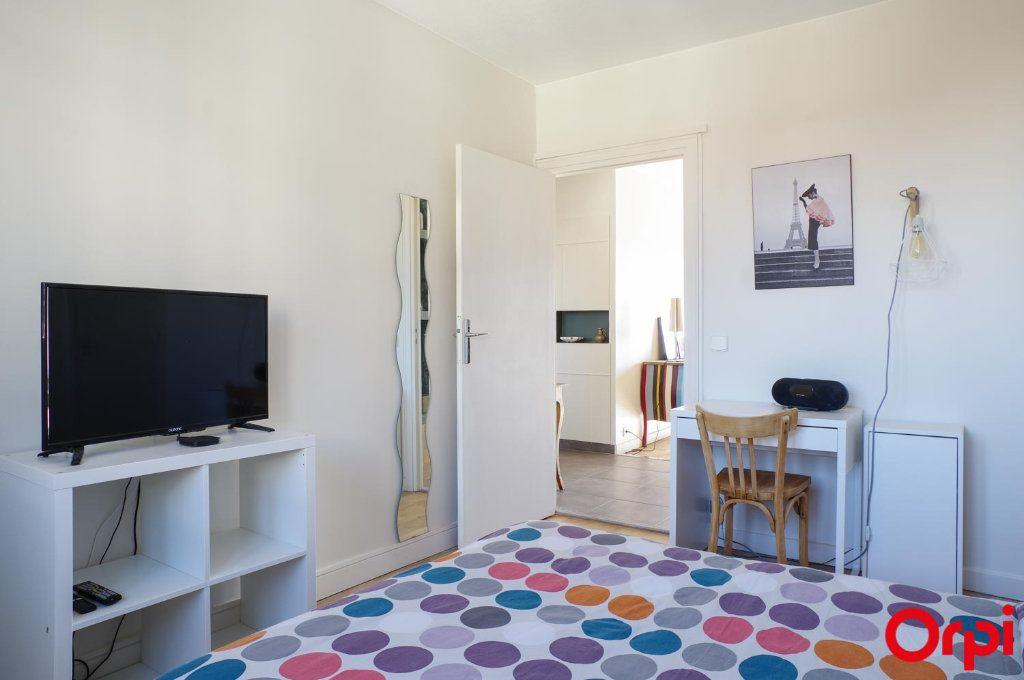 Appartement à louer 3 75.09m2 à Lyon 3 vignette-15