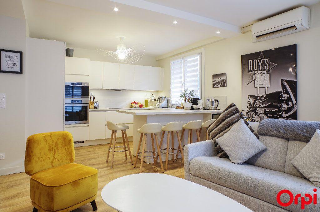 Appartement à vendre 3 72m2 à Lyon 3 vignette-3