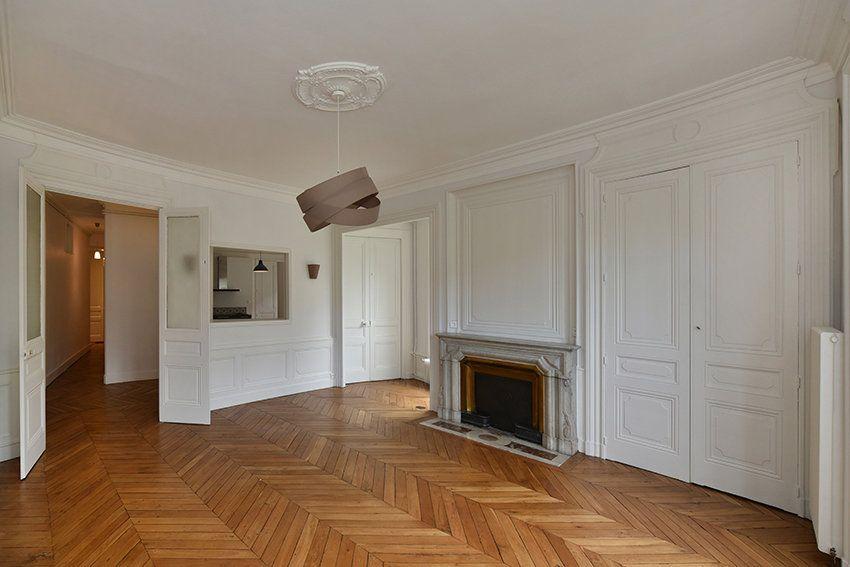 Appartement à louer 3 109.41m2 à Lyon 1 vignette-2