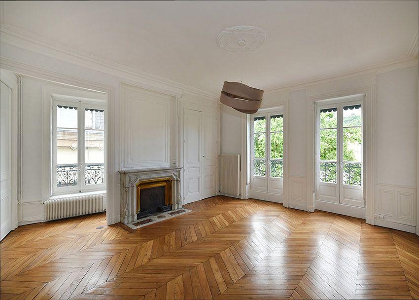 Appartement à louer 3 109.41m2 à Lyon 1 vignette-12