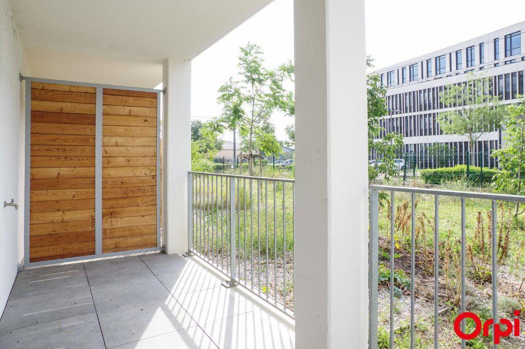 Appartement à louer 3 74.79m2 à Villeurbanne vignette-12