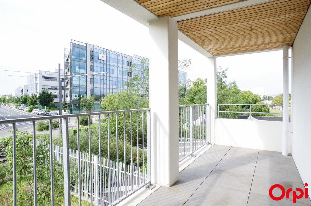 Appartement à louer 3 74.79m2 à Villeurbanne vignette-13