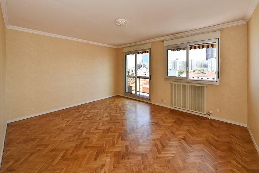 Appartement à louer 4 97.14m2 à Lyon 6 vignette-1