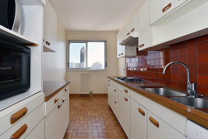 Appartement à louer 4 97.14m2 à Lyon 6 vignette-3