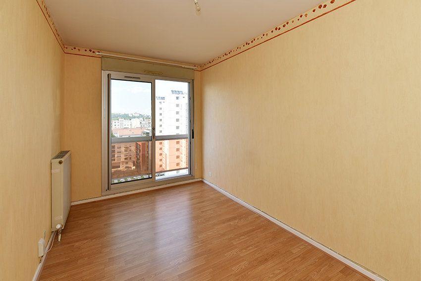 Appartement à louer 4 97.14m2 à Lyon 6 vignette-4