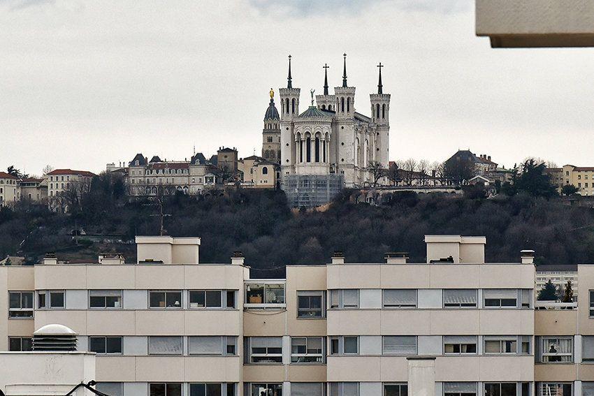 Appartement à louer 4 97.14m2 à Lyon 6 vignette-9