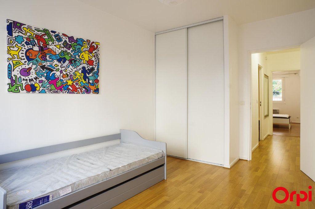 Appartement à louer 3 72.05m2 à Lyon 6 vignette-9