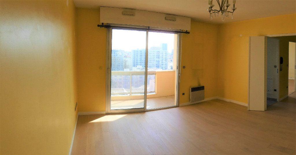 Appartement à vendre 2 49.68m2 à Lyon 6 vignette-2