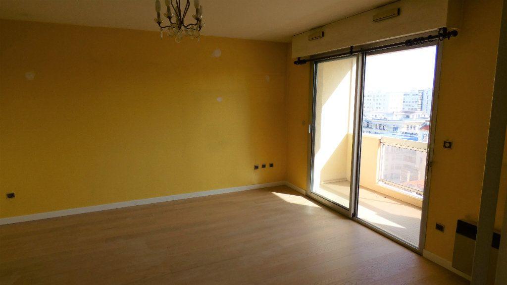 Appartement à vendre 2 49.68m2 à Lyon 6 vignette-3