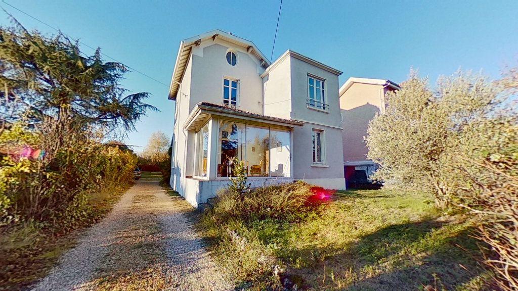 Maison à vendre 8 178m2 à Caluire-et-Cuire vignette-1