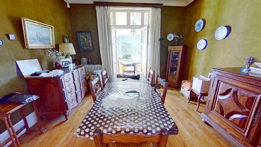 Maison à vendre 8 178m2 à Caluire-et-Cuire vignette-4