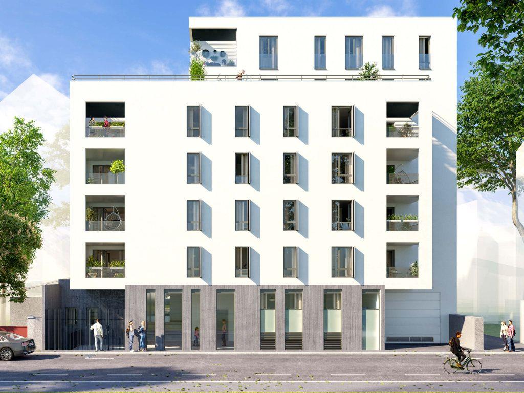 Appartement à vendre 3 65.24m2 à Villeurbanne vignette-2