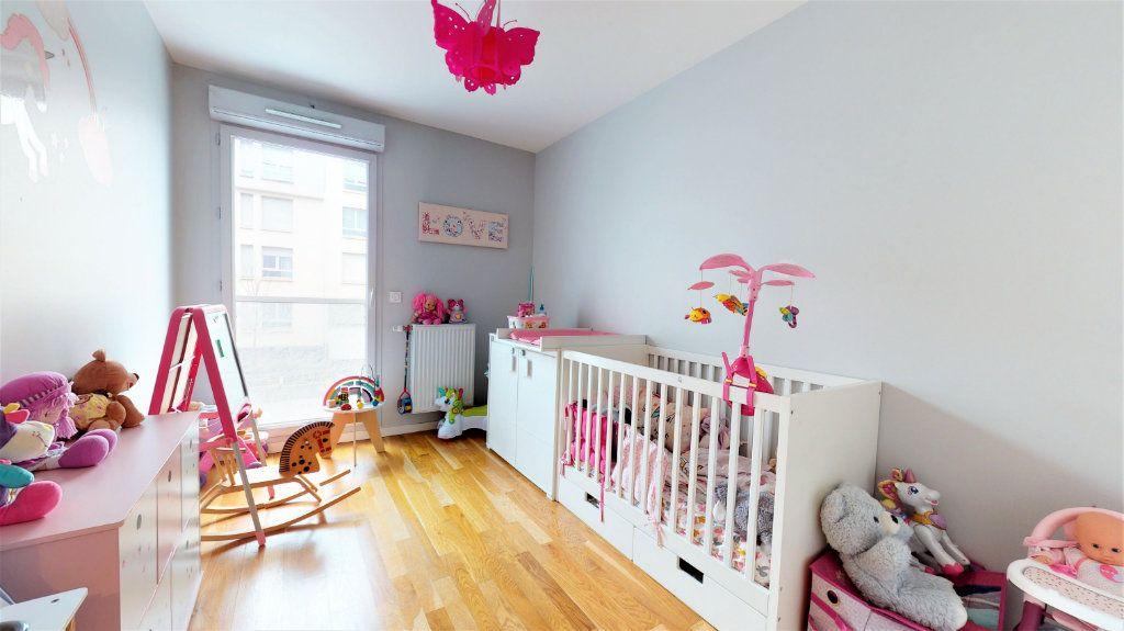 Appartement à vendre 4 81m2 à Bron vignette-7