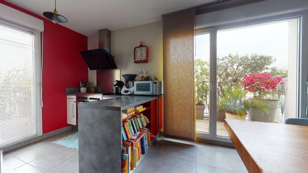 Appartement à vendre 3 63m2 à Bron vignette-4