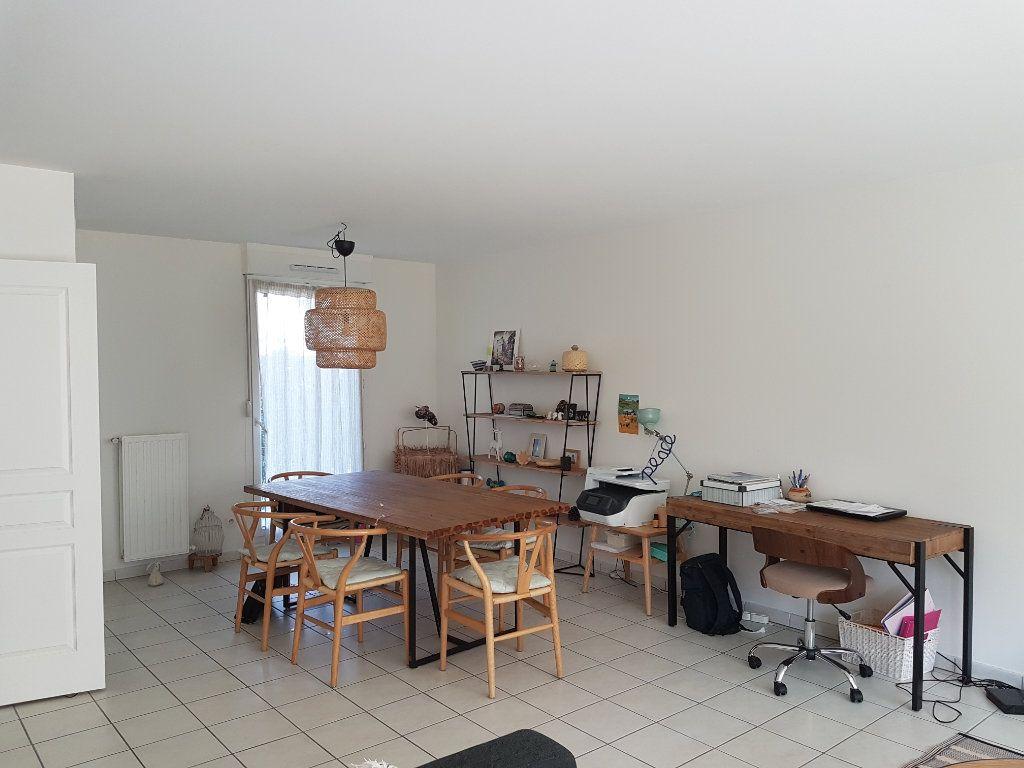 Appartement à louer 5 110.27m2 à Tassin-la-Demi-Lune vignette-2