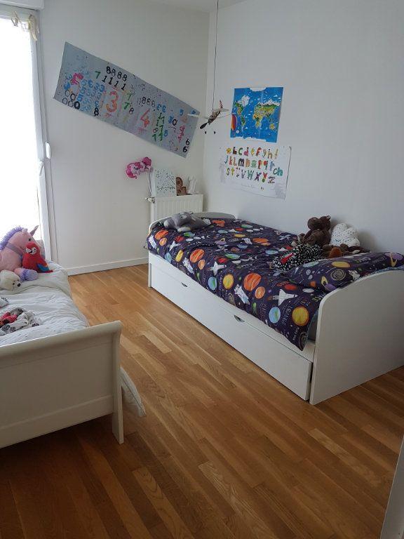 Appartement à louer 5 110.27m2 à Tassin-la-Demi-Lune vignette-4