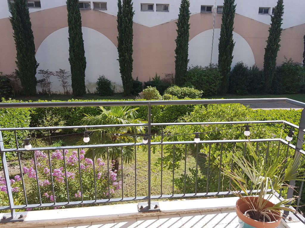 Appartement à louer 5 110.27m2 à Tassin-la-Demi-Lune vignette-8